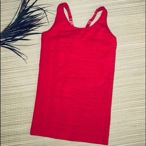 Climawear Red seamless nylon/spandex yoga top szMD
